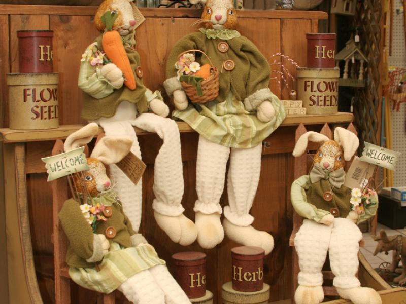 Country Bunny Decorations • Jonestown, Myerstown PA